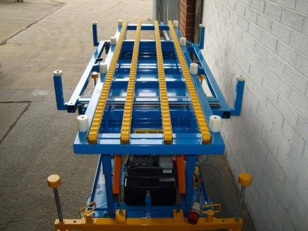 Roller Track Lifting Device With Sliding Runners